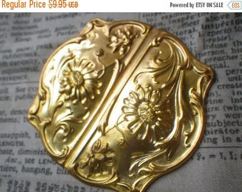 SALE 20% Off Ornate Heavy Brass Ormolu Hinging Plates for Furniture Decoration 70x63mm Sunflowers Vintage 2 Pcs