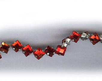 vintage rose montees TWENTY FIVE 5mm square shape or 7mm on diagonal diamond shape montees, sew ons, ruby red prong set faceted crystals
