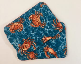 Crab mug rug quilted snack mat set of 2 in realistic crab fabric, Maryland beach decor coaster mini placemat, Baltimore seaside coaster