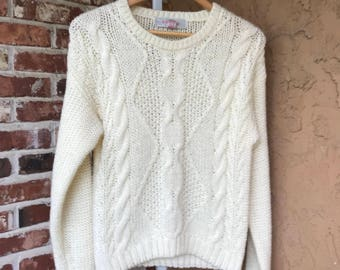 Nice Vintage Sweater 1980s pullover cable knit sweater