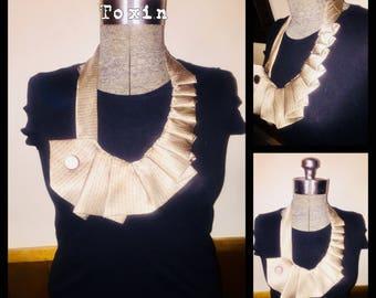 Necktie ruffled bib necklace