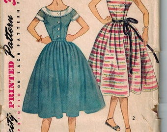 1950s Simplicity 4270 Boat Neck Day Dress Sewing Pattern Vintage Size 14 Full skirt ADORABLE