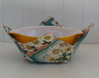 Large Microwave Bowl, Fabric Bowl, Daisies, Daisy Block, Food Warming, Serving Bowls, Microwave Cooking, Bridal Gift
