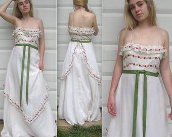 vintage country wedding . vintage prairie dress . folk wedding dress . embroidered folk dress . prairie wedding