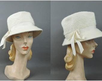 Vintage Ivory Hat Felt Fedora Style 1960s fits 21 inch head, Winter White