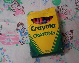 1990 box of 24 vintage crayons