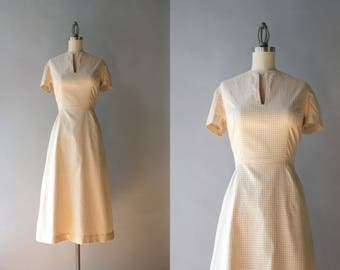 Vintage 50s Dress / 1950s Nude Windowpane Cotton Day Dress / 50s Pale Beige Dress S small