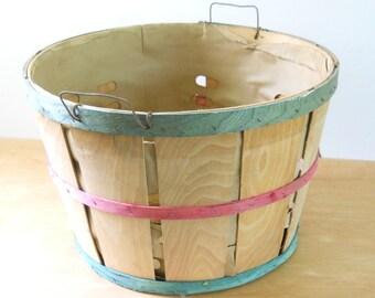 Vintage Orchard Basket • Vintage Fruit Basket Large