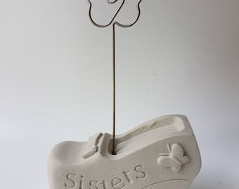 egbhouse, Cement shoe memo holder - Sisters