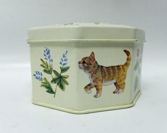 Vintage storage tin - cats