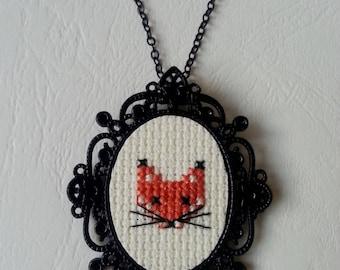 ♥ Black cameo necklace ♥ ♥ cross-stitch embroidered FOX head