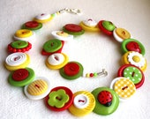 Summer Ladybird Ladybug and Daisy Red, White, Lime Green and Yellow button necklace Button Jewellery Button Jewelry UK Handmade