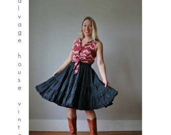 ON SALE 1970s Square Dance Skirt /// Size Small to Medium