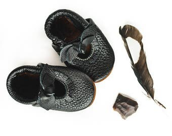BOW Black  Mary Jane Moccs Soft Soled Leather Shoes Baby and Toddler//Free Shipping in USA// Starry Knight Design