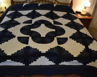 "Amish Log Cabin Fan King quilt, 108"" x 117"""