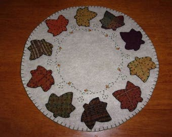 Penny Rug Candle Mat 12 inch Fall Leaves and Vines