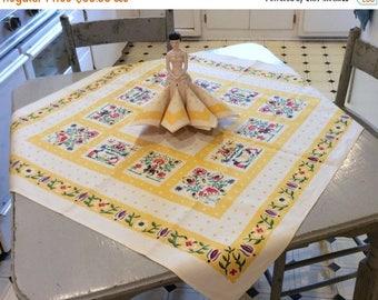 ON SALE Vintage Leacock Tablecloth & Napkins Tiny Gardeners and Polka Dots