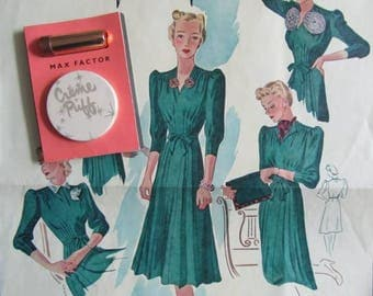 What A Giveaway - Woman's Magazine Free Gift Max Factor Powder Compact & Lipstick. Original Packaging - 1950's