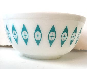 Fabulous Pyrex Atomic Eyes Large Bowl from Chip and Dip Promotional Set!