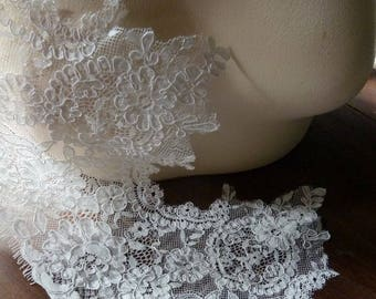 "REMNANT 37"" Alencon Style Lace in Light Cream for Bridal,  Veils, Fingerless Gloves, Borders, Costumes AL 6b"