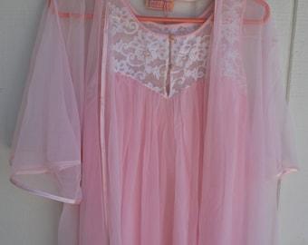 Vintage Komar Pink Chiffon Nightgown & Robe Peignoir Set Small Sleeveless Long Maxi with Lace
