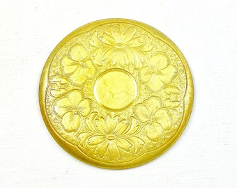 2 gold Floral round brass jewelry embellishment. 1.5 inches  (Bag 7).