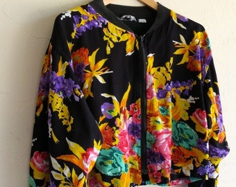 40% OFF The Vintage Zip Up Black Floral Jacket