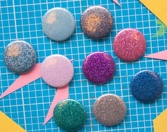 Glittery 25mm badges / pins