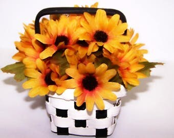 Floral Arrangement, black eyed susan, Black, White, Checkerboard, Basket, Wicker, Basket, Home Decor, Gifts, Golden, Free Shipping, flowers