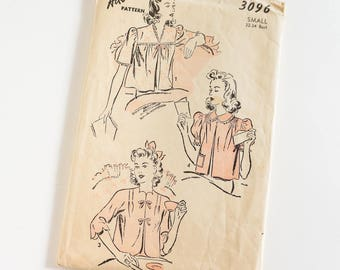 Vintage 1940s Womens Size Small Bed Jacket Advance Sewing Pattern 3096 Complete / b32-34