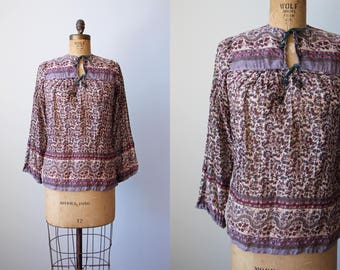 Vintage 70s Indian Cotton Top - 1970s India Festival Tunic Gauze Cotton Blouse XS to S - Deadstock - Mulberry Lavender Mahudi Top