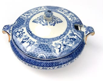 Antique Booths Silicon China Sauce Tureen,1900s,Ming Flow Blue,Lidded,Made in England,Blue Crown Backstamp,Dining Serving,Chinese Scenes,Red