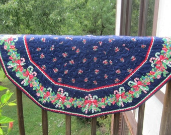 Candy Canes With Holly Quilted Round Christmas Table Cloth Quiltsy Handmade
