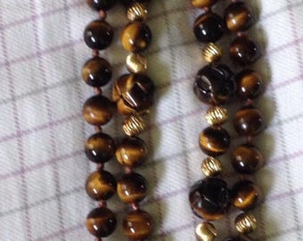 Vintage 14 karat yellow gold Tiger eye beaded hand carved knotted necklace tigereye