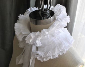 High Neck White hand pleated collar/Bridal Necklace/Bride accessories/Ruffle collar/Pleats/High neck collar/