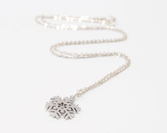 Snowflake Necklace, Silver Snowflake Necklace, Holiday Jewelry, Winter Wedding Jewelry, Christmas Jewelry, CZ Snowflake Necklace