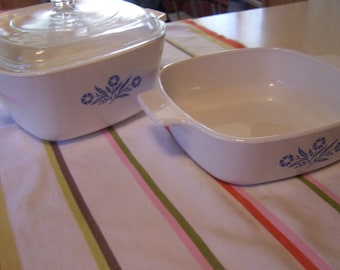 Two Cornflower Blue Corning Ware Casserole Dishes & 1 Lid fits Both, 1 Qt, 1 3/4  Qt sizes, 1970s 1980s, Blue and White Flowers