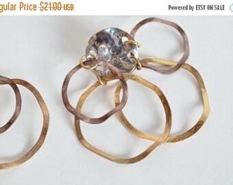 25% off Storewide // SALE / Vintage 1980s statement earrings