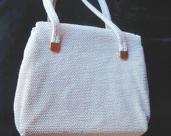 Vintage 50s - White Lumured Handbag with inside golden clasp