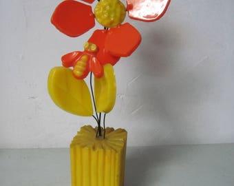 Vintage MOD retro Resin Flowers with Honey Bee