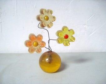 Vintage MOD 1960s Lucite Flowers