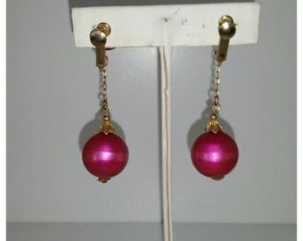 Vintage dangle earrings, pink pearls, screw back,