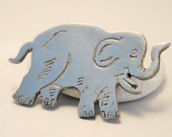 Elephant brooch. Vintage brooch. Silver metal elephant