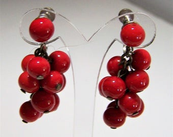Dangling Red Glass Bead Earrings, Silver Tone Screw Back Style. Chandelier Earrings, Mid Century Jewelry 717