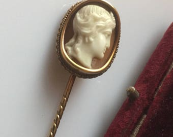 Beautiful quality 15ct gold antique Victorian finely carved cameo stickpin / pin