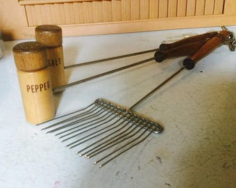 Vintage 3 pc BBQ Set, Wooden Salt & Pepper and Fork Set, Long Handled Utensils, 70s Kitsch for Campy Cooking