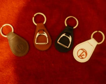Trinity of London key ring, white or dark brown
