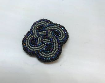 Grey Celtic Knot Pin