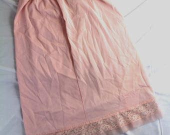Vintage sz s/m? pink half slip lace accent elastic waist