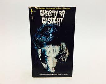 Vintage Horror Book Ghostly By Gaslight 1971 Paperback Anthology